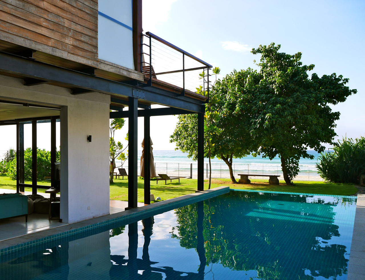 SriLanka LaPoint Surfcamp Poolview